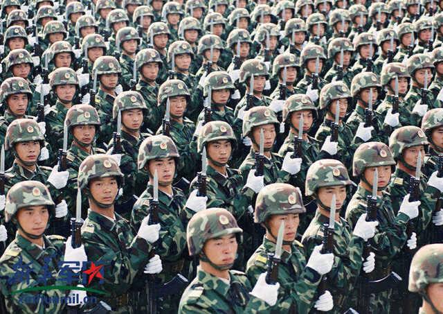1999年国庆阅兵图片档案