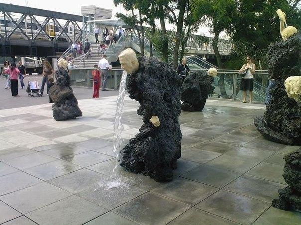奇奇怪怪的雕塑 有些很污