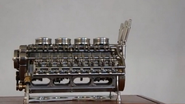 手工造微型发动机 气缸仅手指大