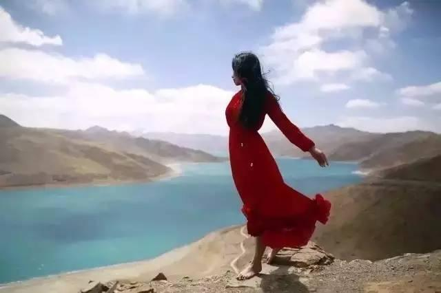 女子在西藏圣湖拍裸照 摄影师被行政拘留10日