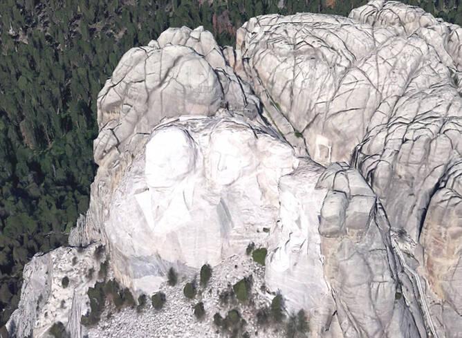 雕塑家在美国总统山暗藏神秘小屋