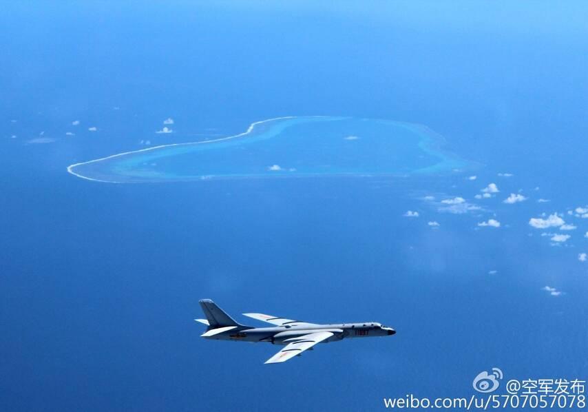 轰-6k巡航南海新照曝光:除了黄岩岛还有美济礁