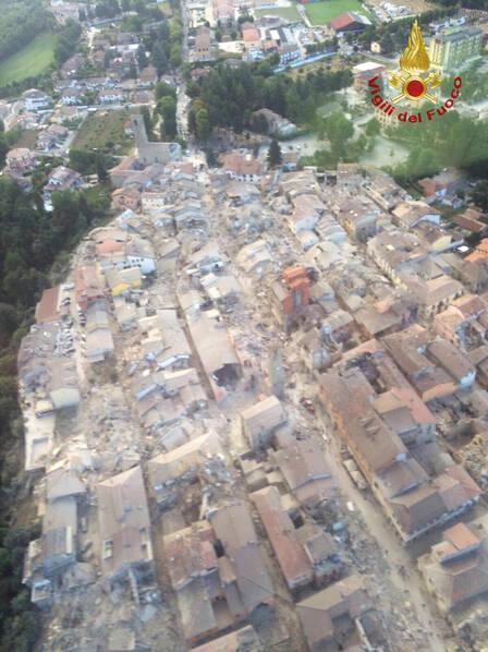 意大利6.2级强震 半个城镇被夷为平地【组图】 - 春华秋实 - 春华秋实 开心快乐每一天