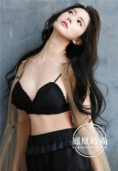 """""""亚洲第一美""""晒泳装照清凉度夏 风格偶像 图5"""