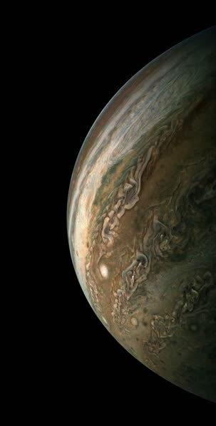 天有不测风云?NASA朱诺号飞船捕捉到木星上巨大的风暴