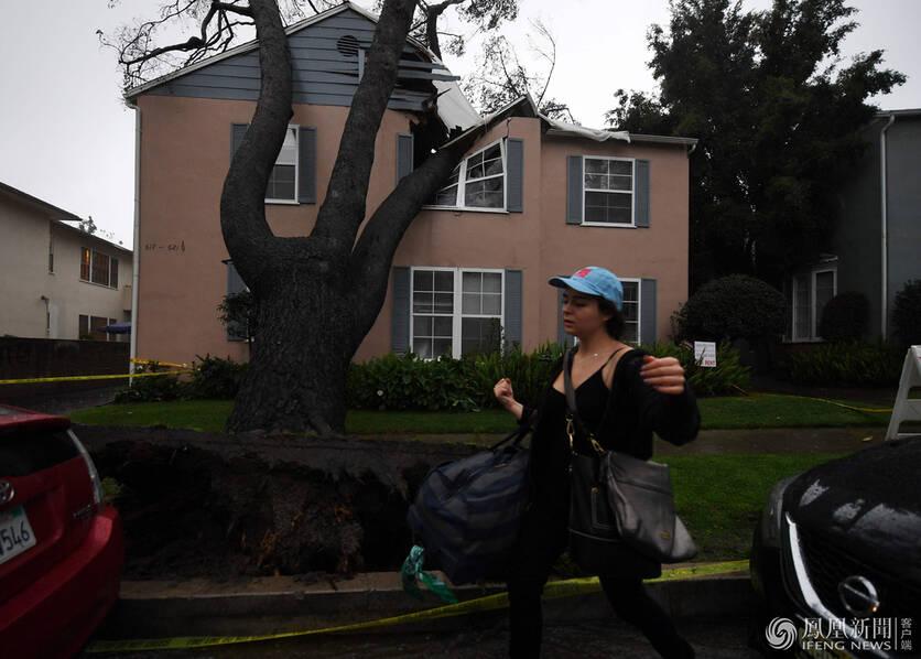 六年来最大暴风雨席卷美国加州 已致1人死亡(图)