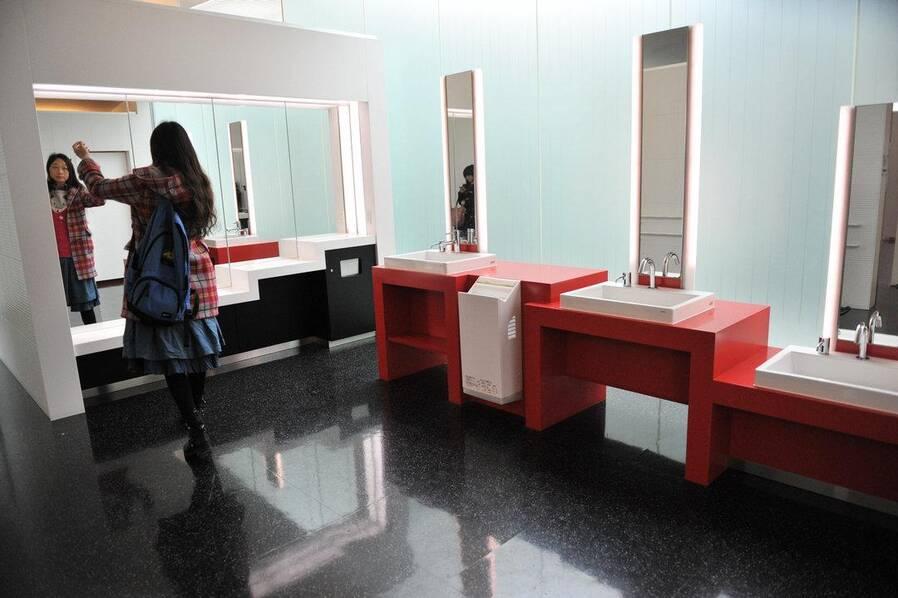 日本公共女厕所 至少领先中国20年!