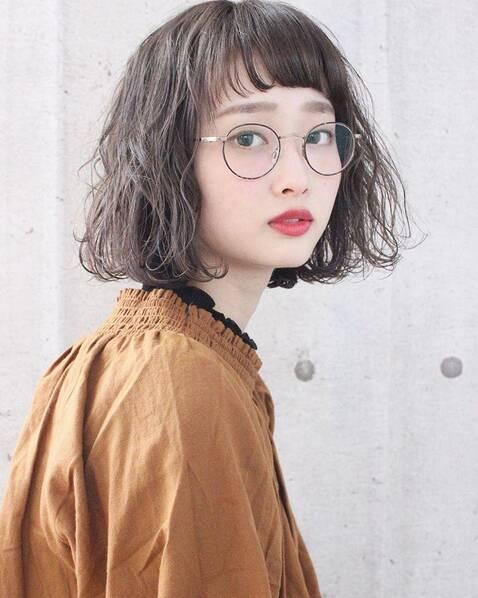 慵懒系中短发发型,新晋女生最喜欢的发型,很百搭