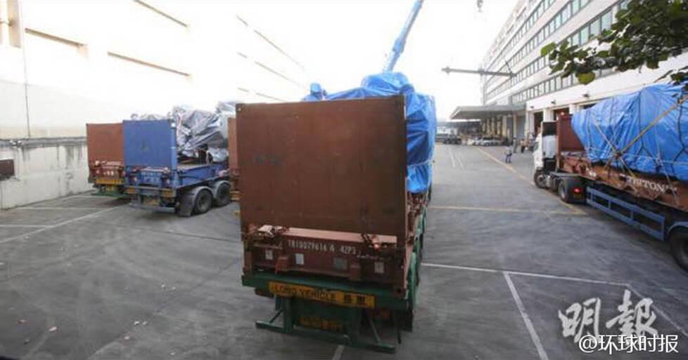 香港:装甲车交还新加坡画面曝光 (组图)