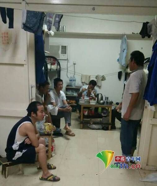 42名中国劳工被困迪拜:没活干 15天无食物供应