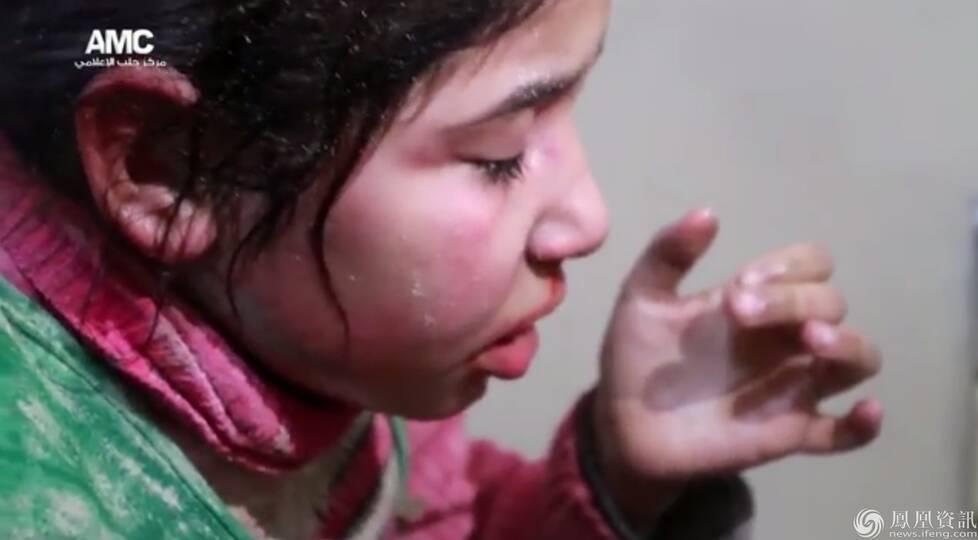 6岁女孩被埋废墟救援现场