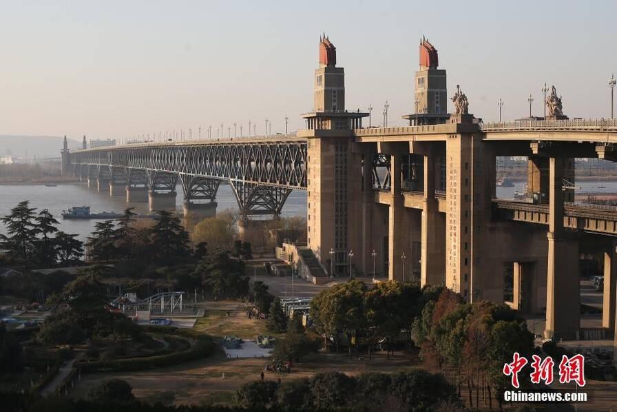 南京长江大桥将封闭维修27个月