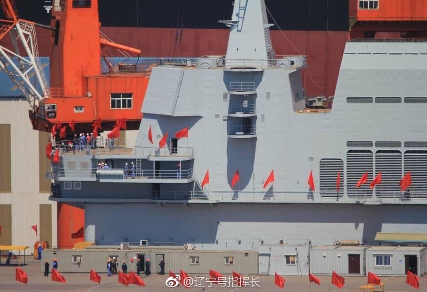 巨龙入海!中国首艘国产航母正式下水 -  东方.旭(青岛) - 东方.旭在青岛的博客