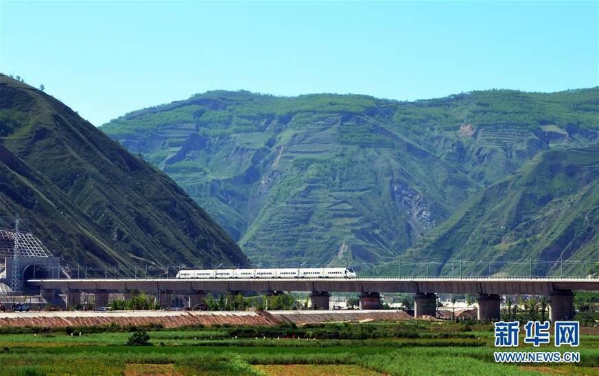 中国高铁:书写时代名片_湖北频道_凤凰网