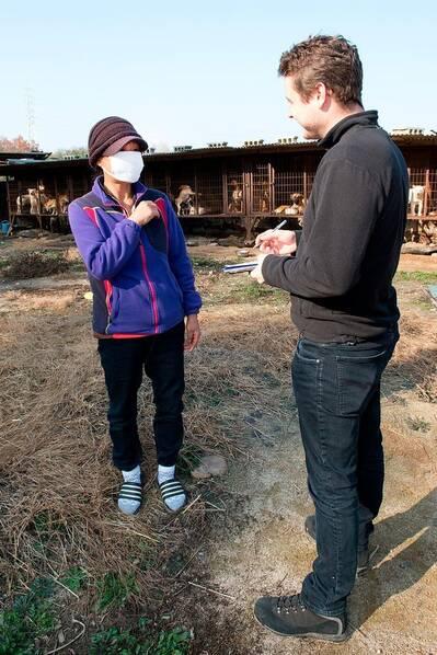 """韩国""""狗肉农场"""" 宠物狗在饥饿中等死 - 梅思特 - 你拥有很多,而我,只有你。。。"""