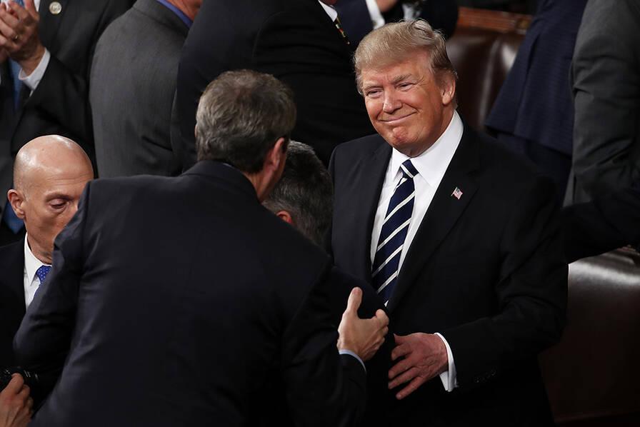 特朗普首次国会演讲现场图片 45968 896x598