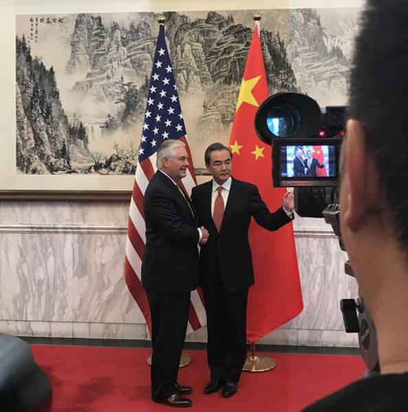 """美国务卿会王毅:朝鲜半岛紧张局势已""""相当危险"""""""