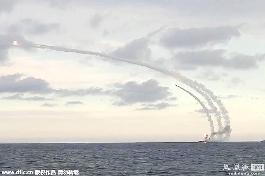 Risultati immagini per акватории каспийского моря по террористам в сирии нанесен удар 18 ю крылатыми ракетами калибр нк