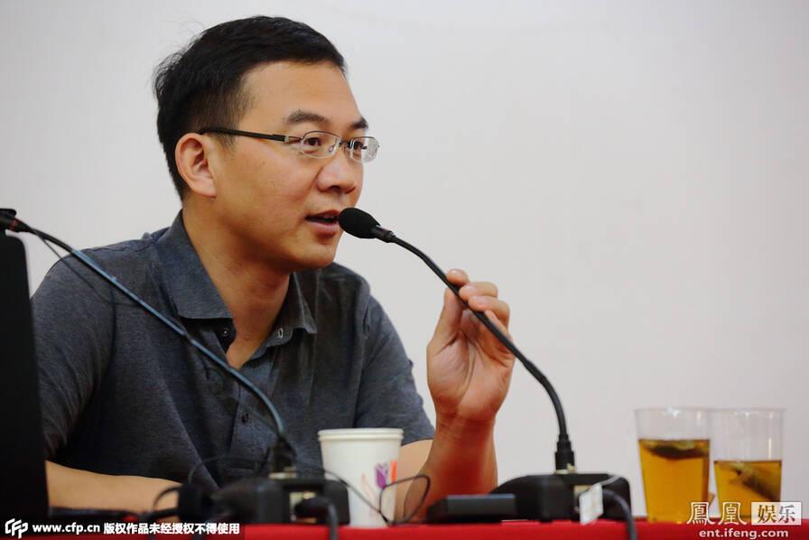 央视主播郎永淳被曝辞职后首亮相 北京的东城图书馆签售新书获热捧 - li-han163 - 李 晗