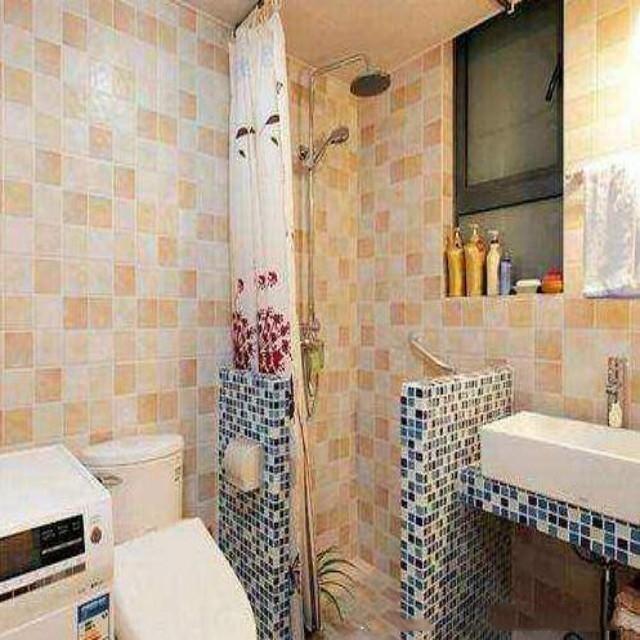 卫生间做淋浴房还是做淋浴隔断好?聪明人这样装卫生间
