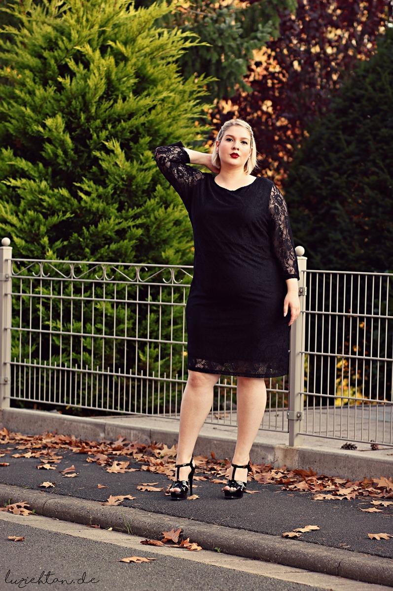 穿衣搭配并不只是瘦子的专利哦,胖女孩穿衣搭配更是一门学问,因为胖图片