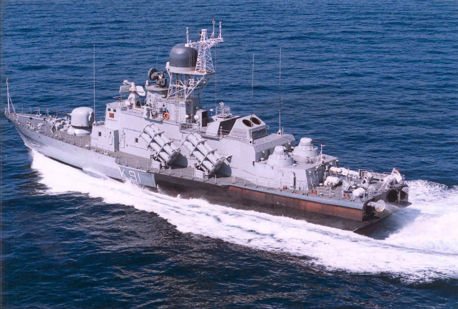 """印抵制中国航母要学022?但这艘""""导弹艇""""1200吨…"""
