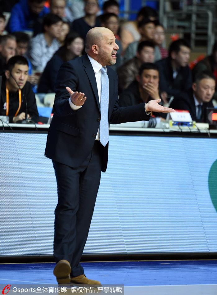 仅两人上双 北京主帅:失去进攻节奏成输球关键