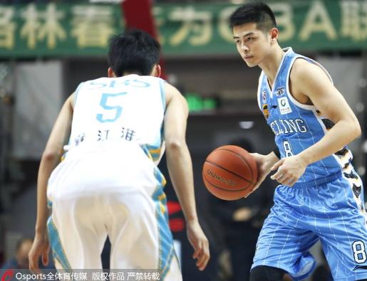 汉密尔顿轰42+6赵泰隆23分 北京险胜双杀福建