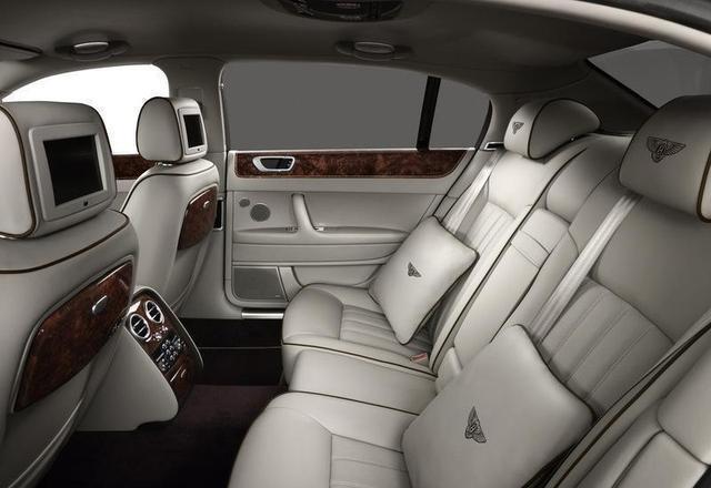 老炮儿冯小刚,只对这车感兴趣,售价400万也值!