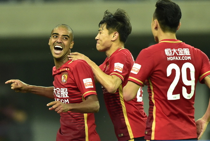 """独家评论:中国足球处罚标准还是""""人治"""""""