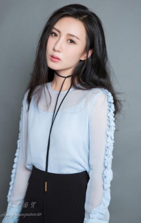 吕丽萍的儿媳近照曝光 清纯靓丽甜美可人(图)