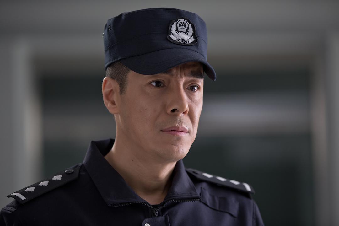 警官�y�-��+_《警官王快乐》曝剧照 海一天第一反派归正演绎基层民警