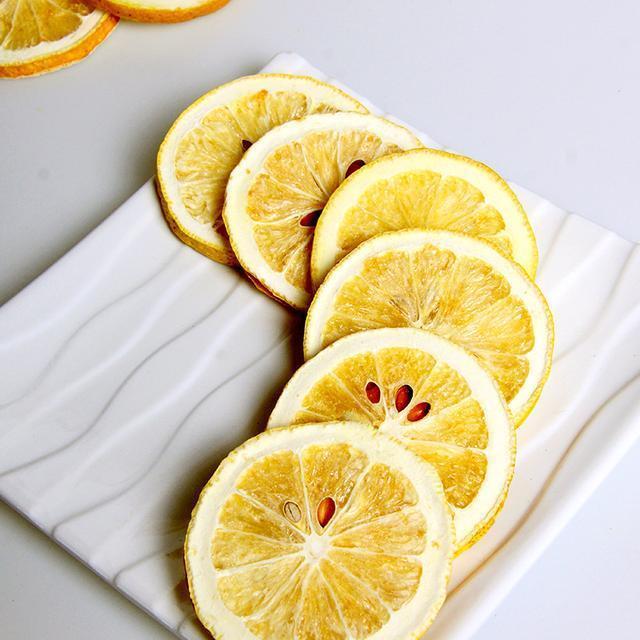 肌肉片冲水喝,每天一杯补充维生素c,减肥又美容一举两减肚子柠檬图片