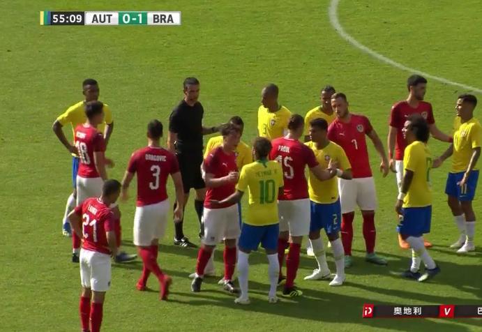 多大仇!巴西奥地利热身赛起冲突 内马尔遭砍鲨战术