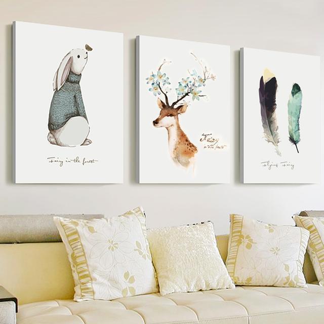 简单的无框白底壁画,现代风的彩色动物画,三联搭配装饰,尽显现代时尚