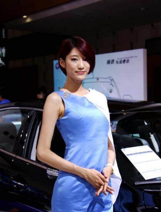 当短发车模出现在车展里,长发美女们都黯然失色图片