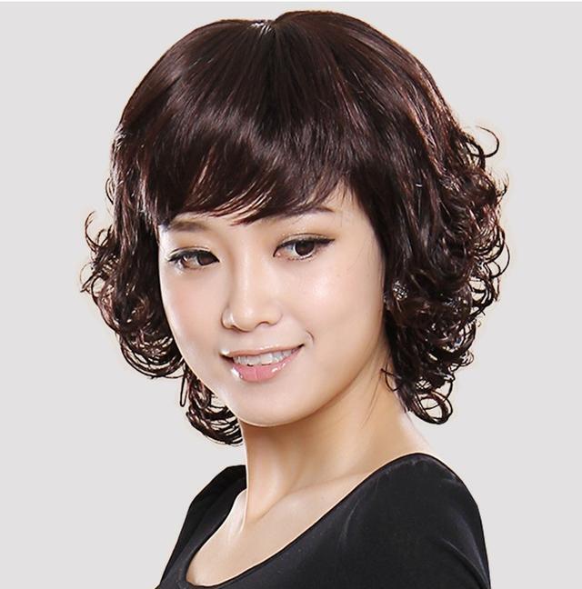 10款发型让你年轻十岁_适合25岁女性最时尚的短发图片