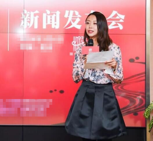 """濮存昕35岁女儿近照  热心公益不进演艺圈的""""星二代"""""""