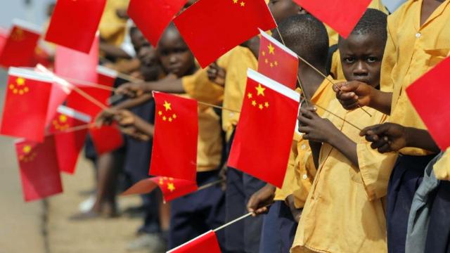非洲高官点赞中国迅猛发展:中国强则非洲强!