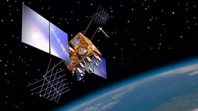 """中国航天打出完美反击!""""北斗""""精度超GPS,未来还将发射更多"""