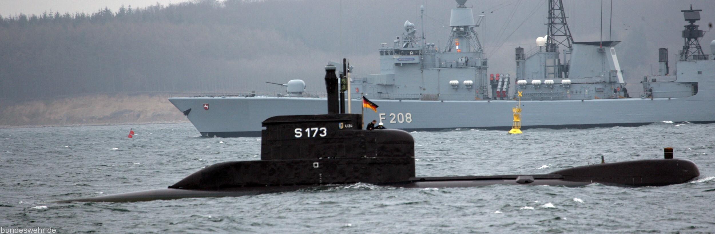 德国男足兵败回家,德国海军也早已衰败,不堪与中国比较