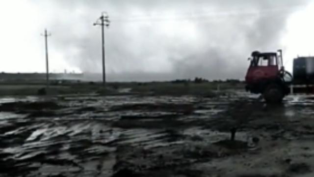 山东:胜利油田疑似刮起龙卷风,现场画面曝光