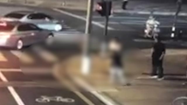 2018年8 月 27 日晚,江苏省昆山市一宝马司机持刀追砍