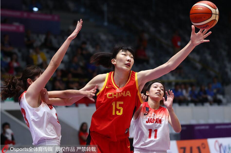 姚明观战中国女篮大胜日本进决赛 李梦14分邵婷16+6+6