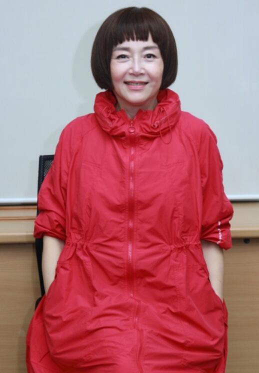 """60岁女星恬妞近照曝光  遇万梓良回:""""谁是你老婆!"""""""