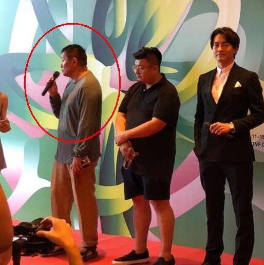 倪萍的62岁老公近照曝光  结婚13年恩爱如初