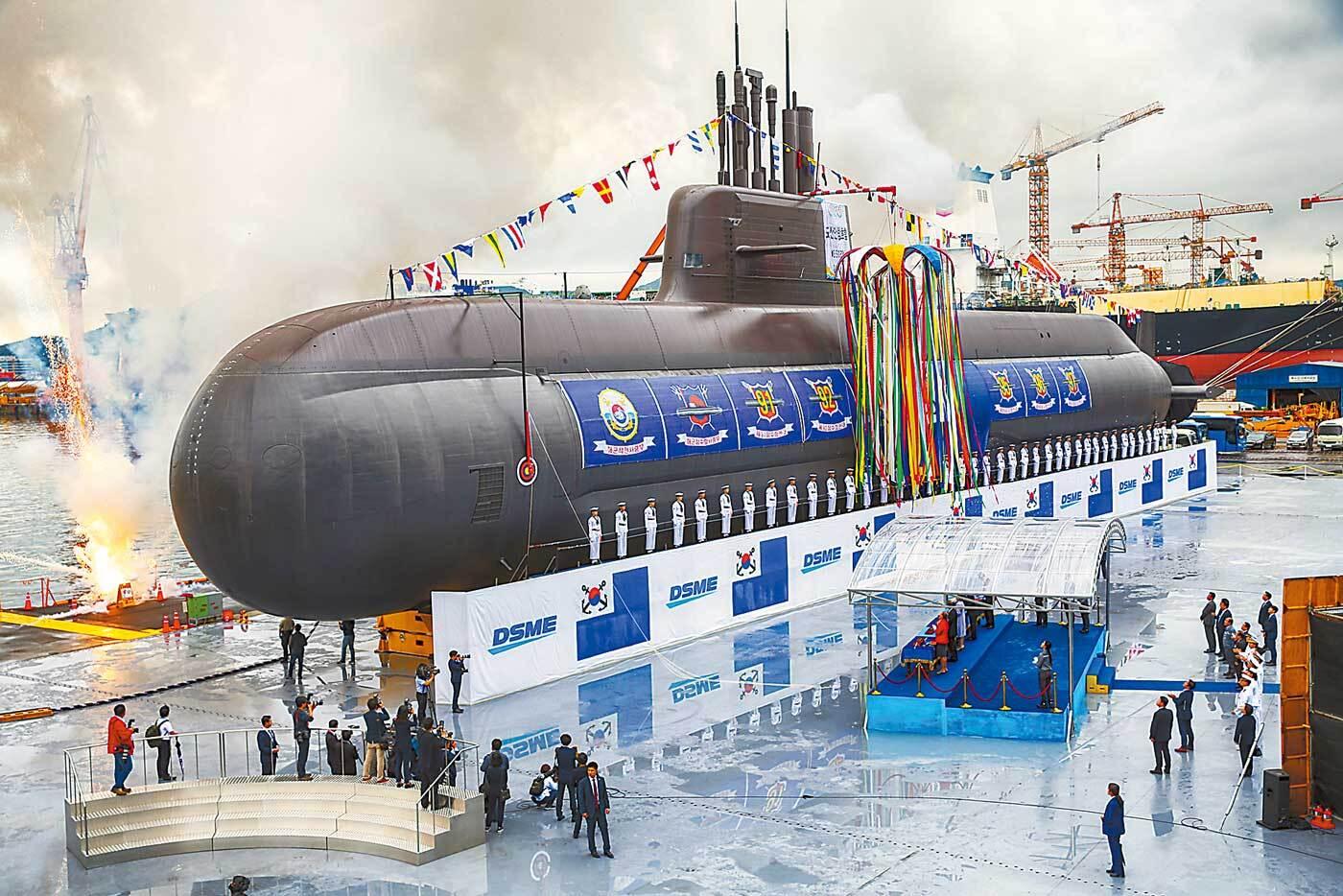 """韩国""""终极潜艇""""下水 一项能力目前独步天下"""