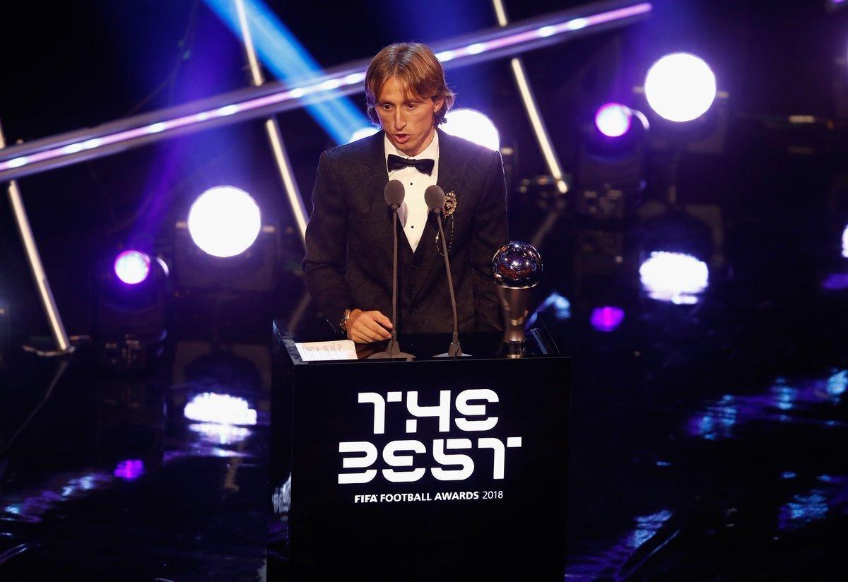 梅罗缺席颁奖典礼遭FIFA炮轰 卡佩罗:输不起
