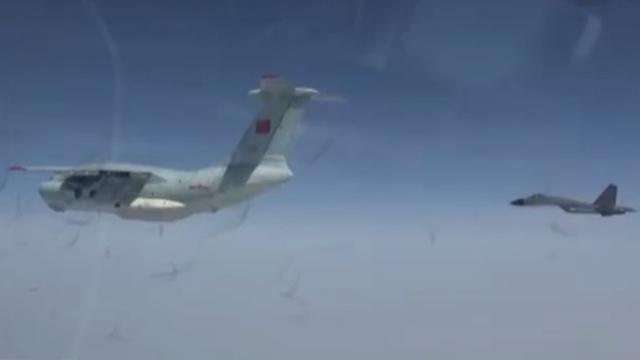 泪目!空军运送志愿军英烈回国对话曝光:两架歼-11B为你护航