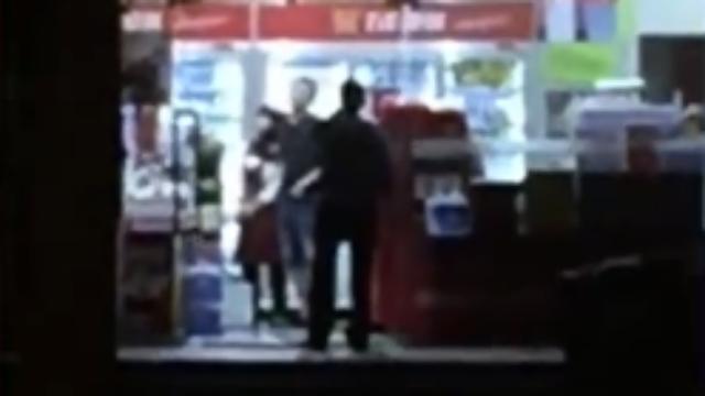 男子劫持女店员被警方当场击毙 对峙画面曝光